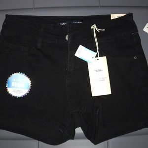 BRAND NEW WITH TAGS! Black shorty short size 9